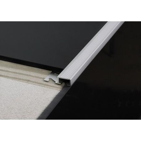 Alu 10 mm szögletes barázdált lépcső profil Hossz: 270 cm